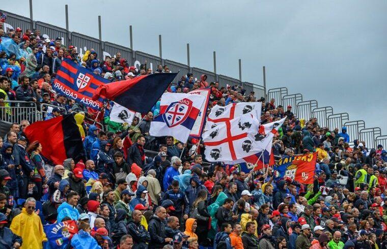 immagine dei tifosi del Cagliari allo stadio