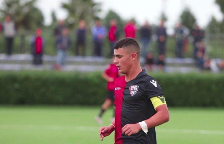 Michele Masala con la maglia del Cagliari