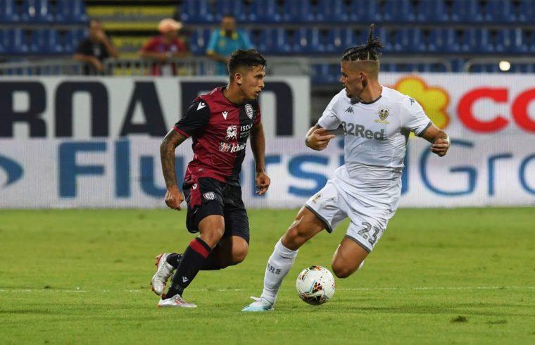 Christian Oliva in azione contro il Leeds