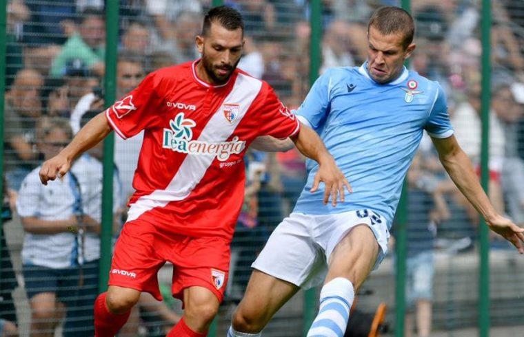 Luigi Scotto, punta del Mantova in un amichevole con la Lazio