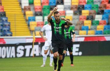 Salvatore Burrai festeggia dopo un gol