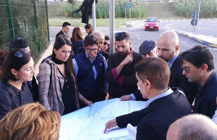 I membri della Commissione Urbanistica del Comune di Cagliari durante il sopralluogo
