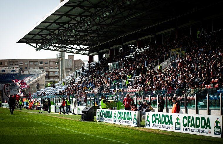 La tribuna della Sardegna Arena | Foto Andrea Baldinu