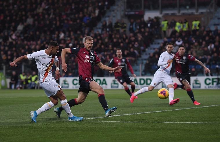 Un'immagine di Cagliari-Roma, ultima gara giocata dai rossoblù prima dello stop | Foto Emanuele Perrone