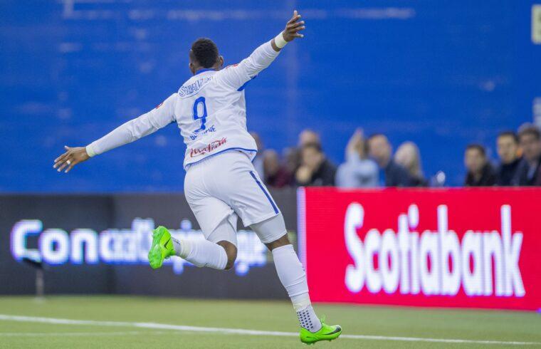 Jorge Benguché festeggia dopo un gol
