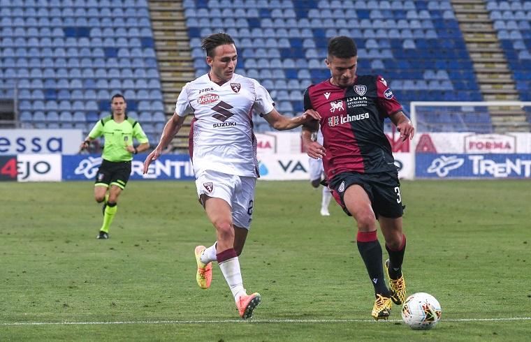 Andrea Carboni con Simone Edera in Cagliari-Torino