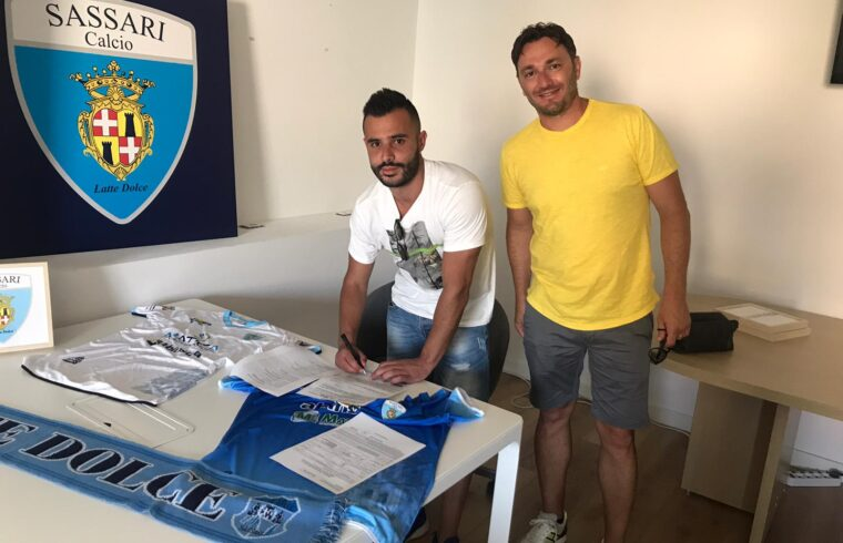 Michele Pisanu con il dirigente biancoceleste Alessandro Gadau