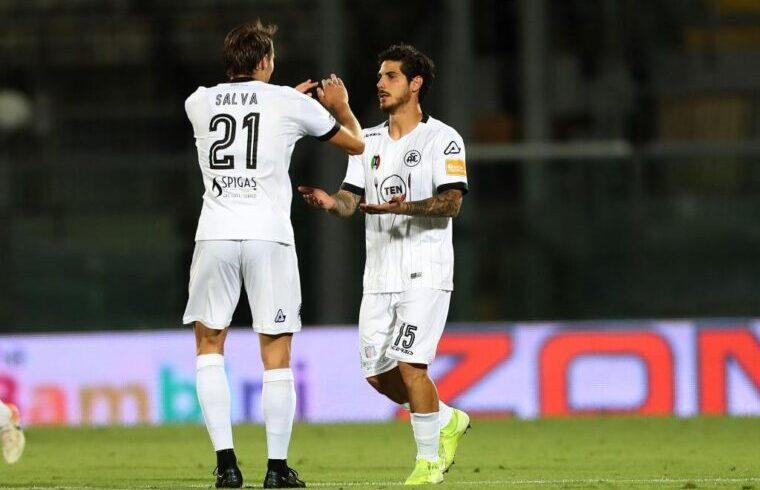 Beppe Mastinu festeggia dopo il gol al Livorno | Foto Spezia Calcio