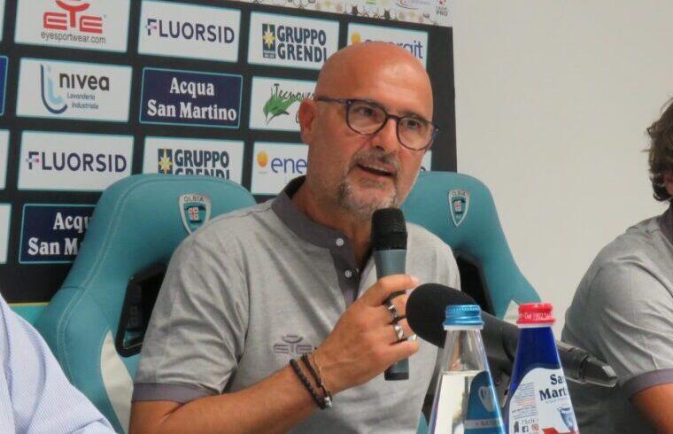 Max Canzi nel giorno della sua presentazione come nuovo tecnico dell Olbia | Foto centotrentuno.com