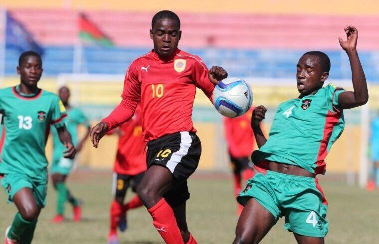 Zito Luvumbo con la maglia della sua Nazionale