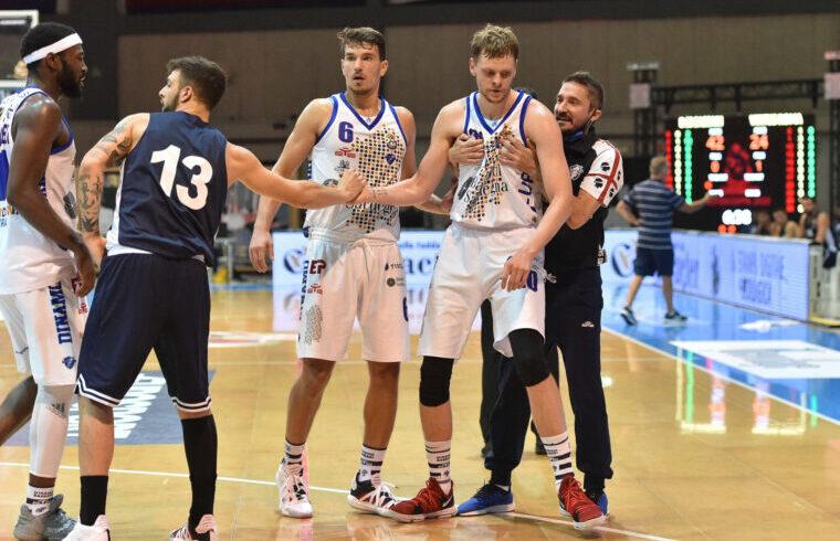 Eimantas Bendzius, e Gianmarco Pozzecco in Supercoppa | Foto Luigi Canu