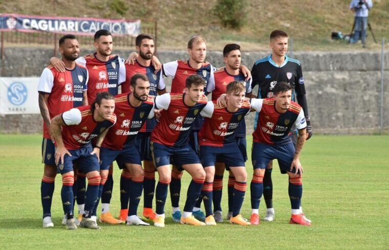 Il Cagliari sceso in campo ad Aritzo contro l Olbia   Foto Sandro Giordano
