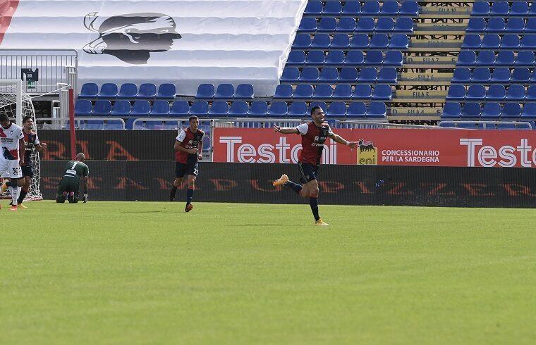 Charalampos Lykogiannis esulta dopo il gol al Crotone | Foto Emanuele Perrone