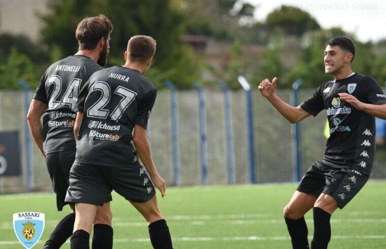 Il Latte Dolce esulta dopo un gol | Foto Alessandro Sanna
