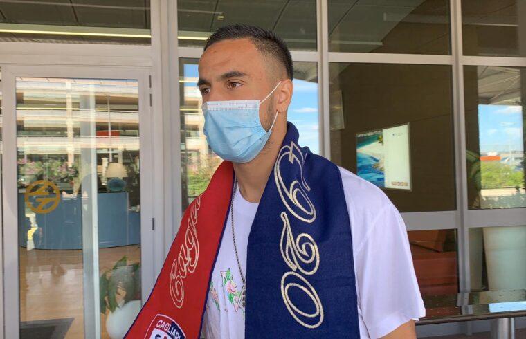 Adam Ounas all arrivo di Cagliari