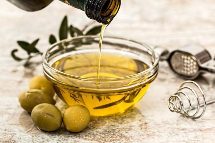 Olio d'oliva in vasetto
