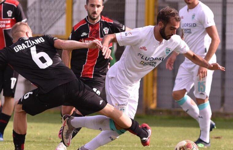 Riccardo Ladinetti contro la Pro Vercelli | Foto Sandro Giordano