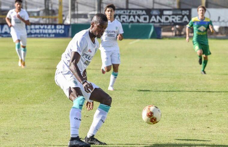 King Udoh, attaccante dell' Olbia | Foto Sandro Giordano