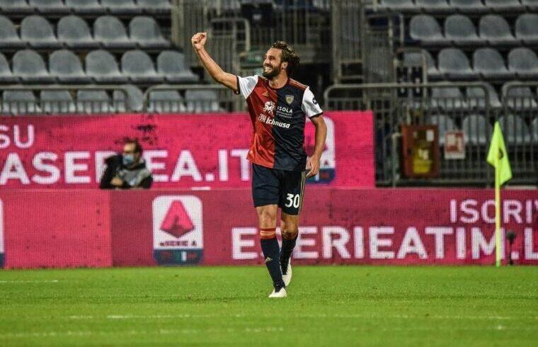 Leonardo Pavoletti esulta dopo un gol | Foto Alessandro Sanna