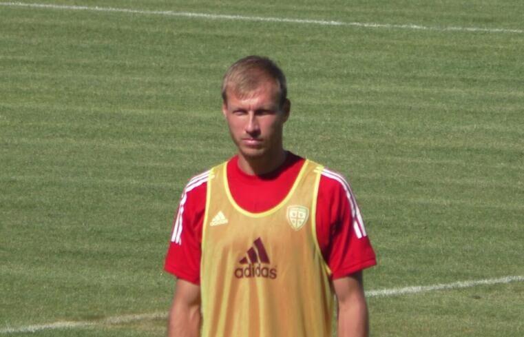 Ragnar Klavan in allenamento ad Aritzo