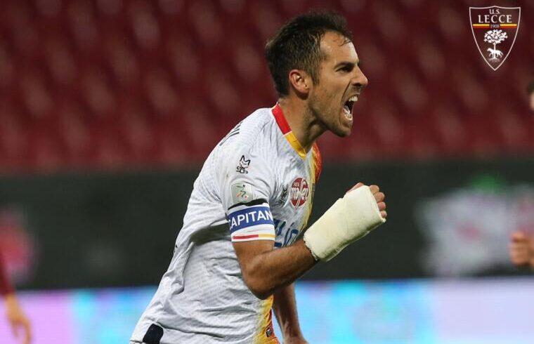 Marco Mancosu esulta dopo il gol alla Salernitana | Foto Lecce Calcio