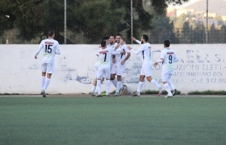 Il Muravera esulta dopo un gol | Foto Muravera Calcio