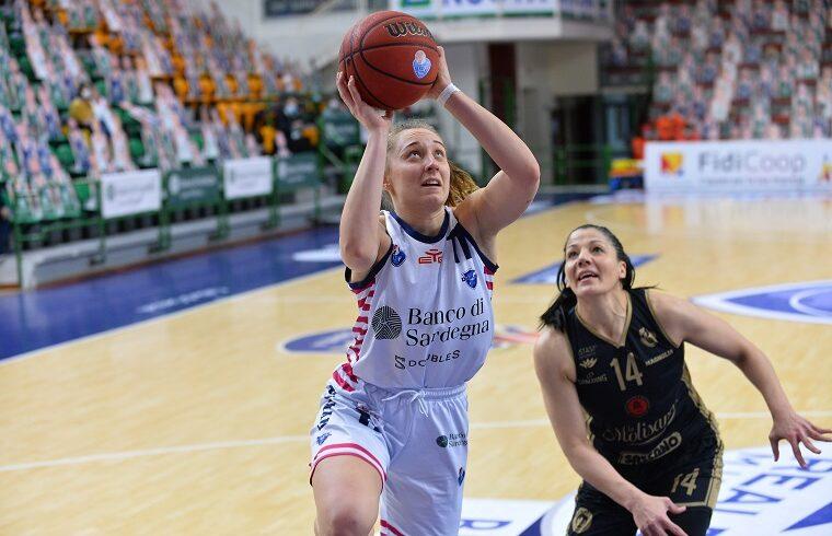 Delia Gagliano contro Sanchez della Magnolia | Foto Luigi Canu
