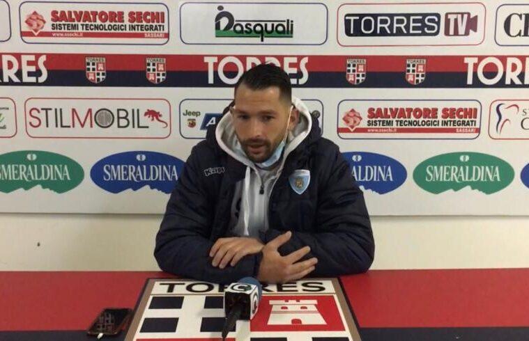 Gigi Scotto al termine del derby vinto al Vanni Sanna | Foto Centotrentuno