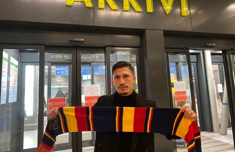 Fabio Pisacane all arrivo di Lecce | Foto Lecce Calcio