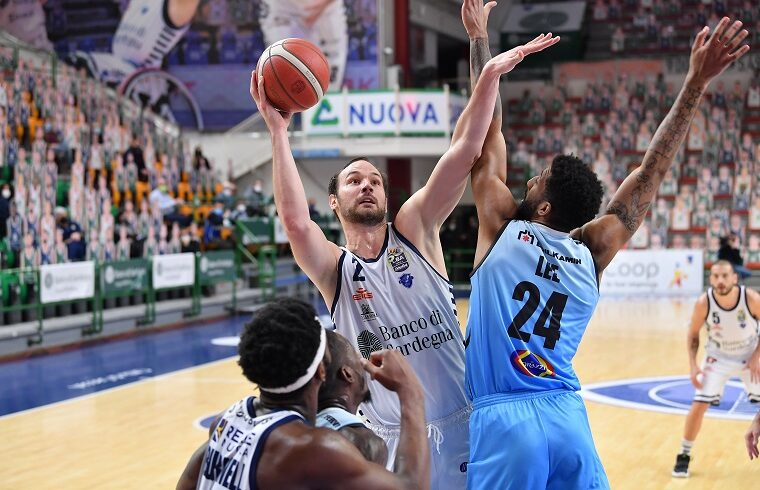 Miro Bilan contro Cremona | Foto Luigi Canu