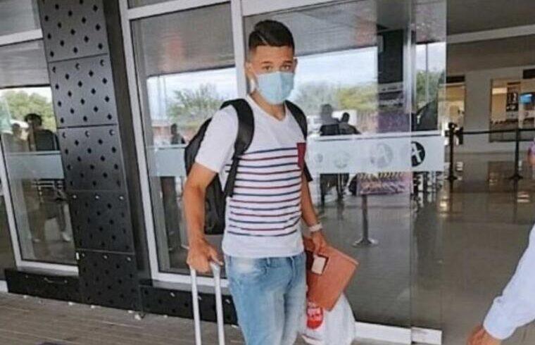 Christian Mendoza in partenza verso la Sardegna | Foto FutVE - Twitter