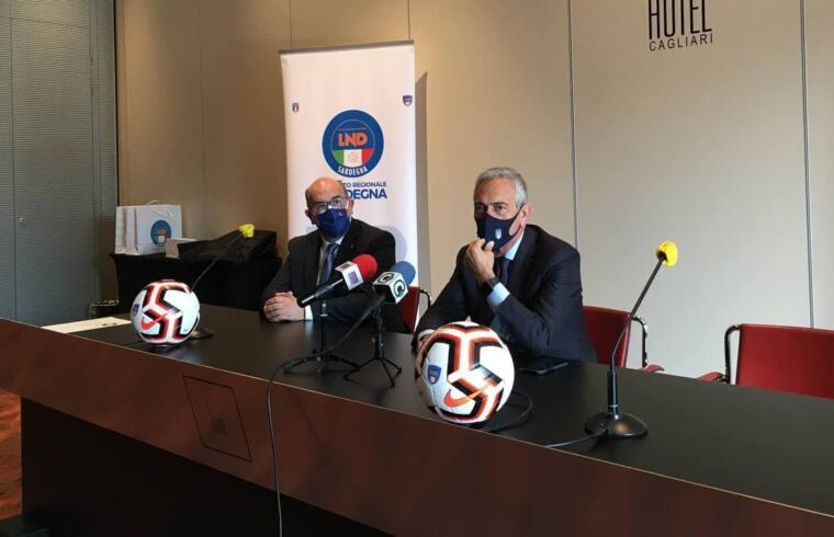 Il presidente FIGC Gravina con Gianni Cadoni della FIGC Sardegna
