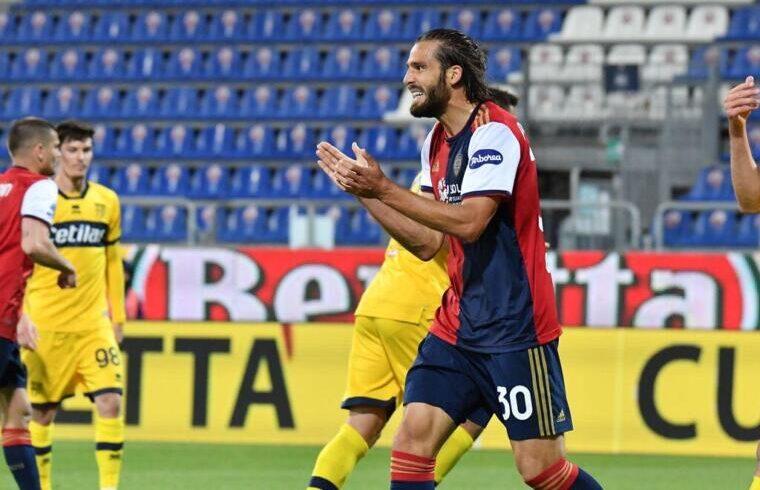 Leonardo Pavoletti contro il Parma | Foto Luigi Canu