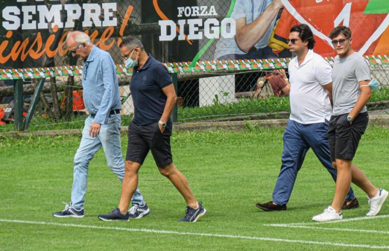 Stefano Capozucca, Stefano Antonelli e il suo entourage sul campo di Celledizzo
