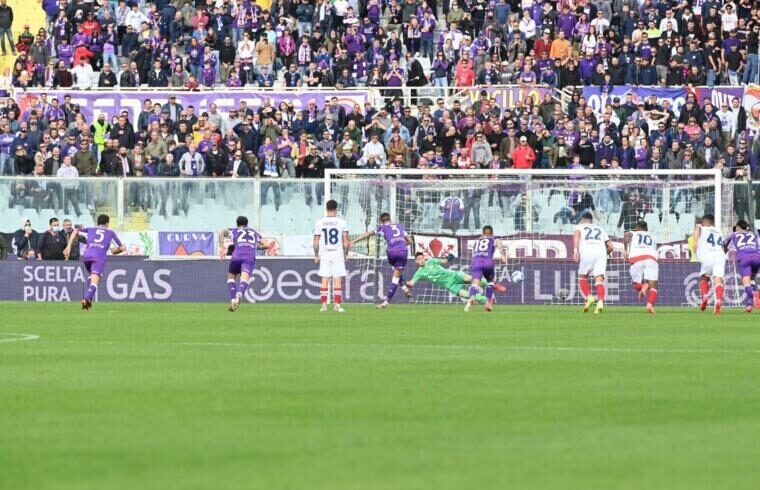 Il rigore trasformato da Biraghi per l'1-0 della Fiorentina | Foto ACF Fiorentina
